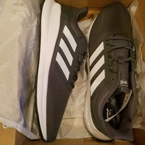 new in box Adidas runfalcon running shoes sneakers